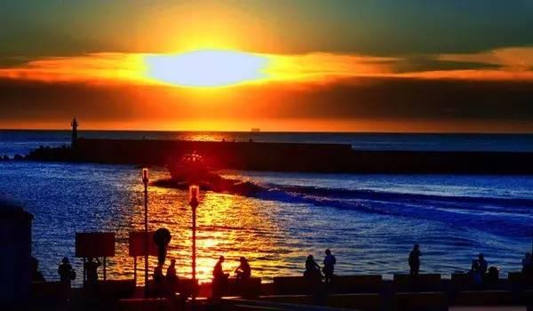 看 到 美 麗 日 落 , 讓 辛 苦 的 騎 行 值 回 票 價 。