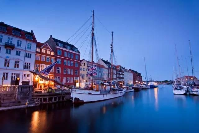 格 林 童 話 的 故 鄉 丹 麥