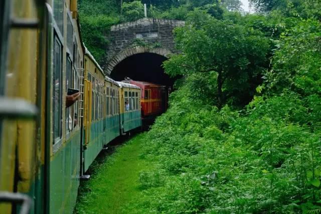 玩具火車。