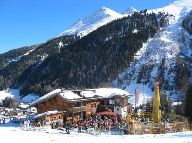 這 裡 滑 雪 客 眾 多 ,建 議 可 提 早 入 山!