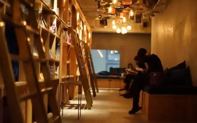 書 蟲 如 你 ,絕 對 要 入住 這 裡 啊 !|Book and bed 官 網