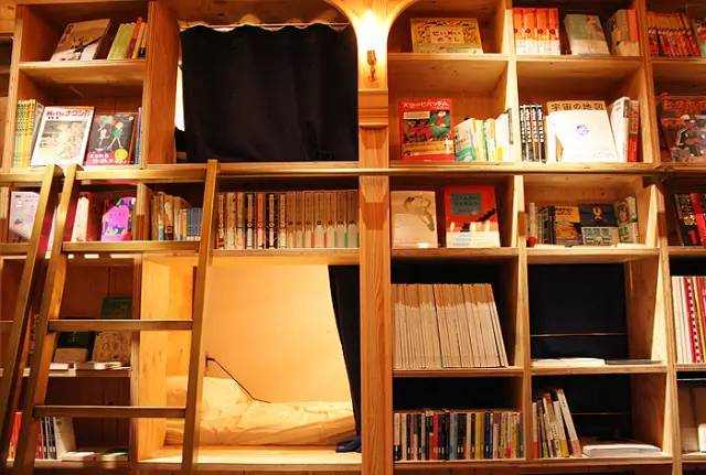 床 位 就 在 書 堆 中 !|Book and bed 官 網