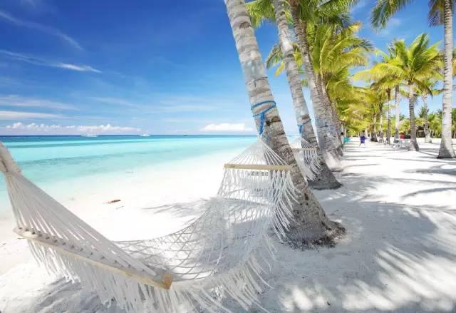 島 上 美 麗 海 景 。