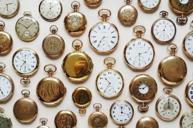 各 式 懷 錶 。