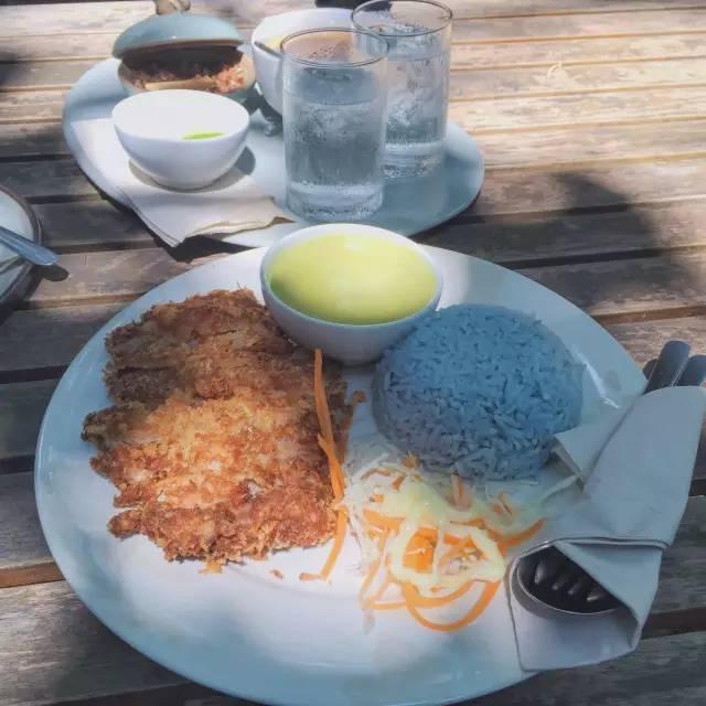 正 宗 泰 式 咖 哩。