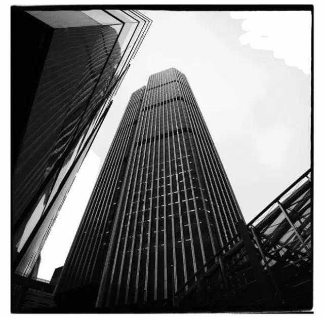 42 號 大 廈 ( Tower 42 )。