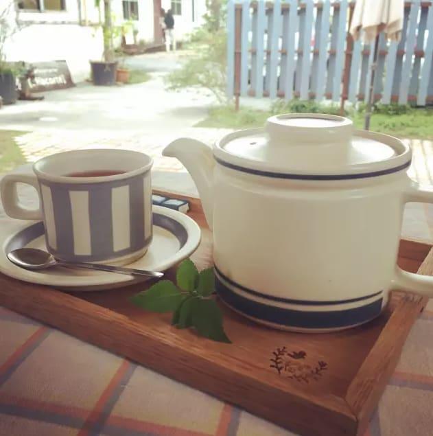 茶 具 長 的 很 日 雜 風 。。