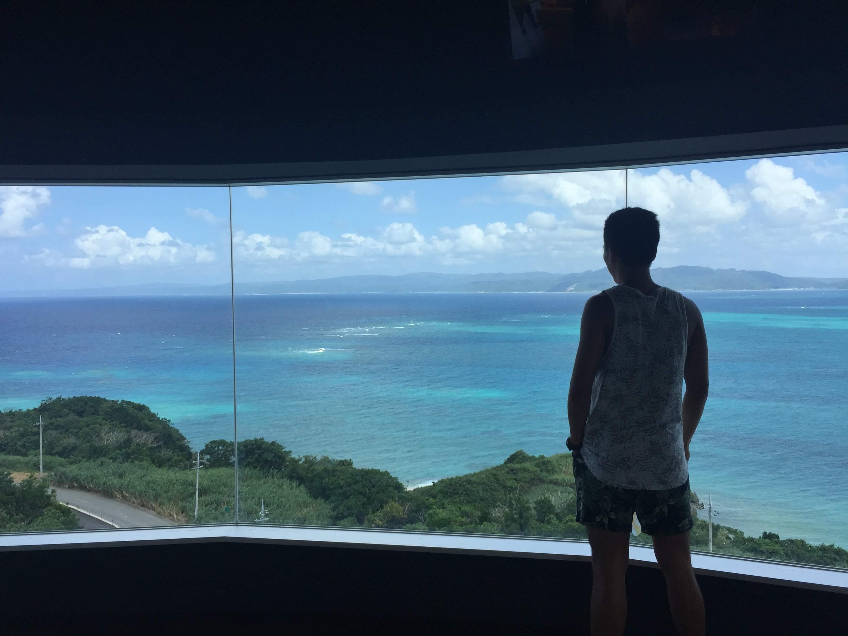 四樓可以看見蔚藍的海~