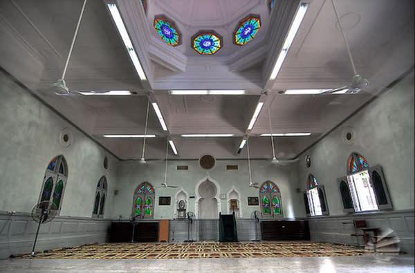 供 穆 斯 林 跪 地 禱 告 之 處 。