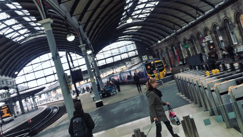 火車票價優惠多,結伴同行最多可省1/3的票價。