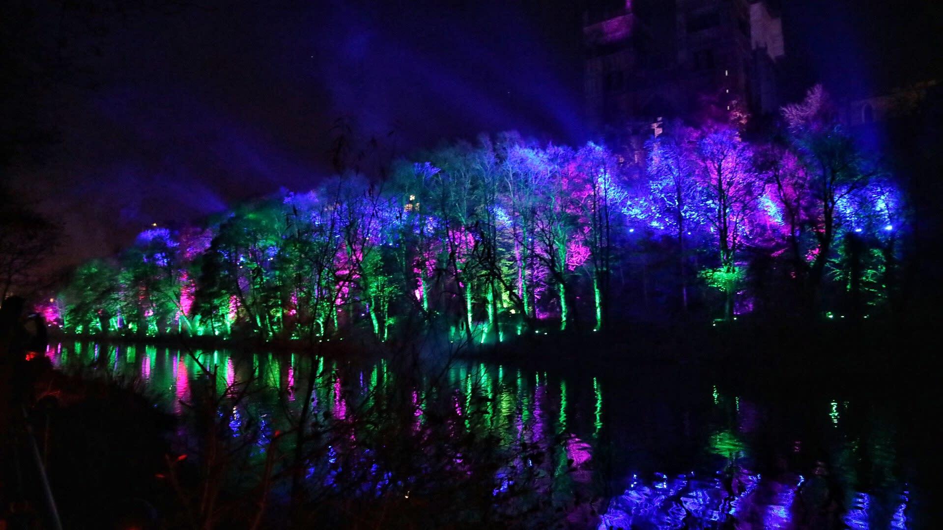 Lumiere中,每一道光都是作品,杜倫的河畔被光影映得浪漫!