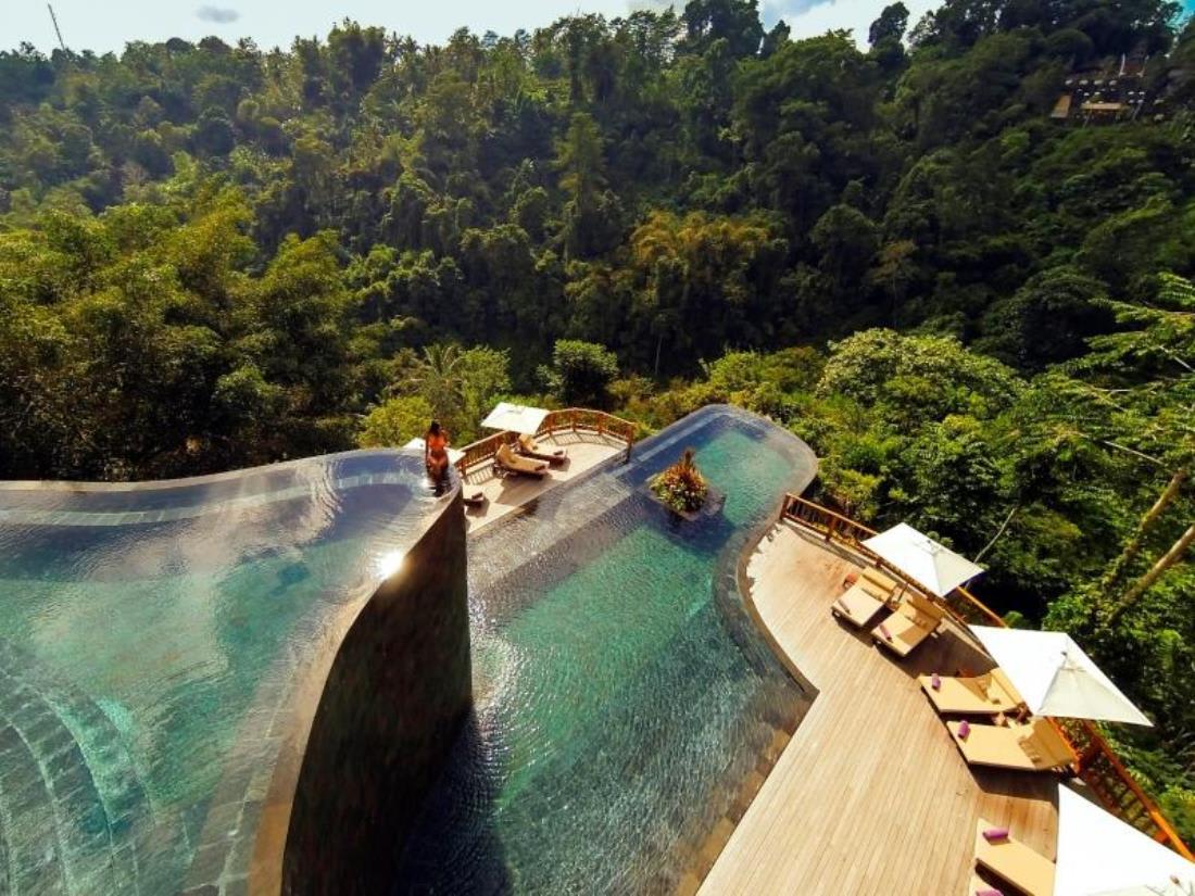 世界最美泳池 峇 里 島 空 中 花 園 泳 池 ( 圖 片 來 源 : https://goo.gl/oerYOI )