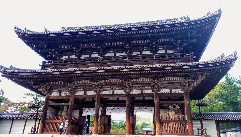 仁和寺很有氣勢的大門