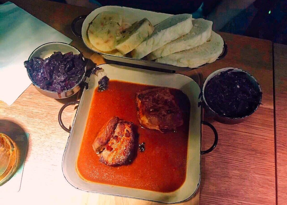 捷克傳統美食bun/bread dumplings。Photographer | Serina Su