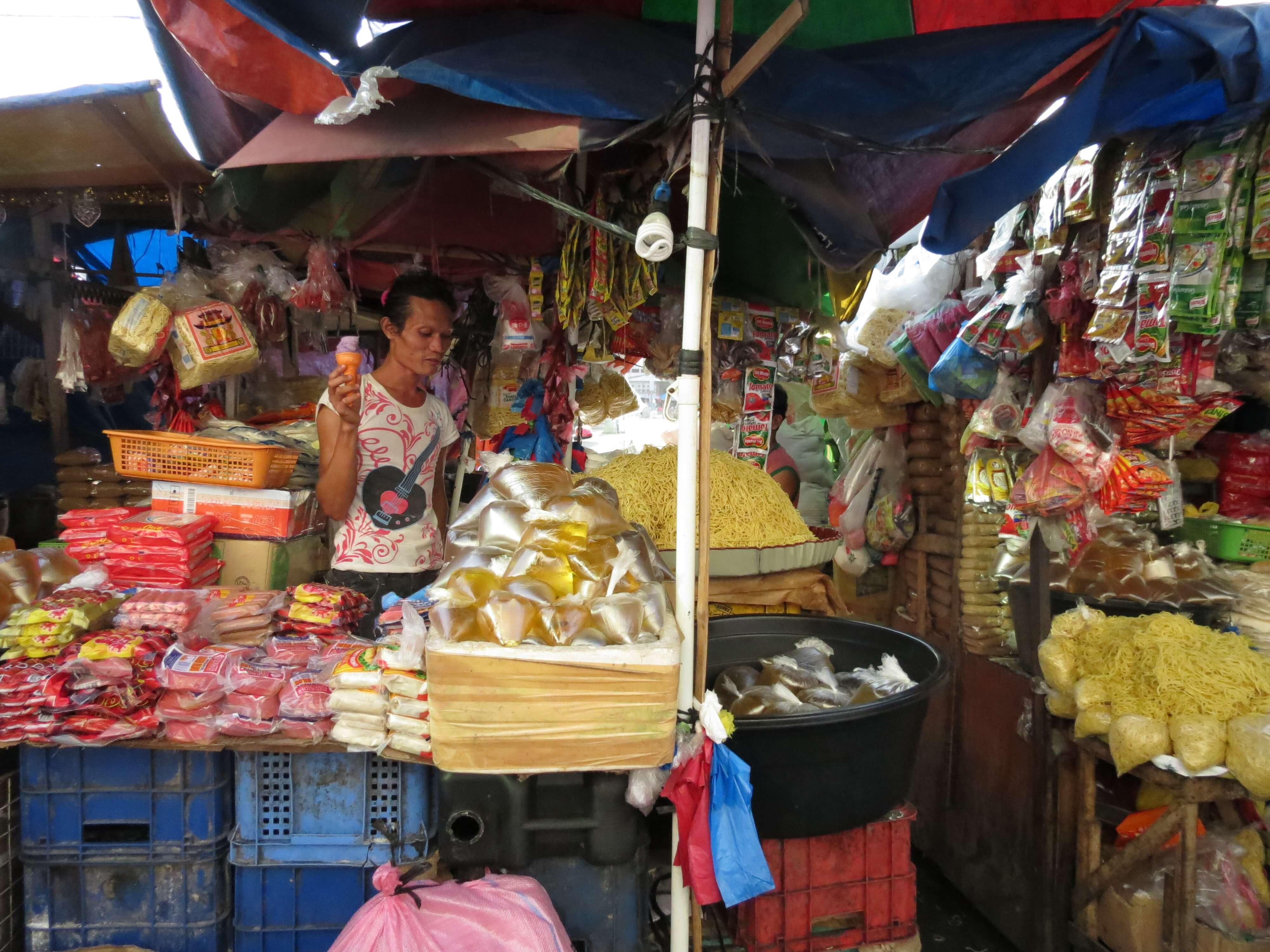道地的食物,最日常的樣子,都在市場裡。|Local food and necessities could be found in the market