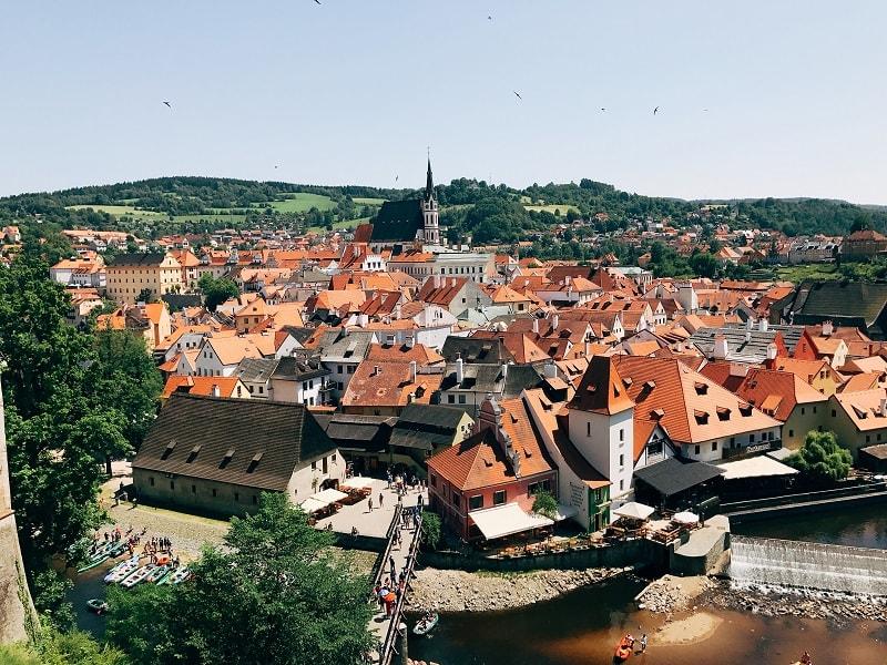 從高處欣賞CK小鎮,佈滿紅澄澄的屋頂!