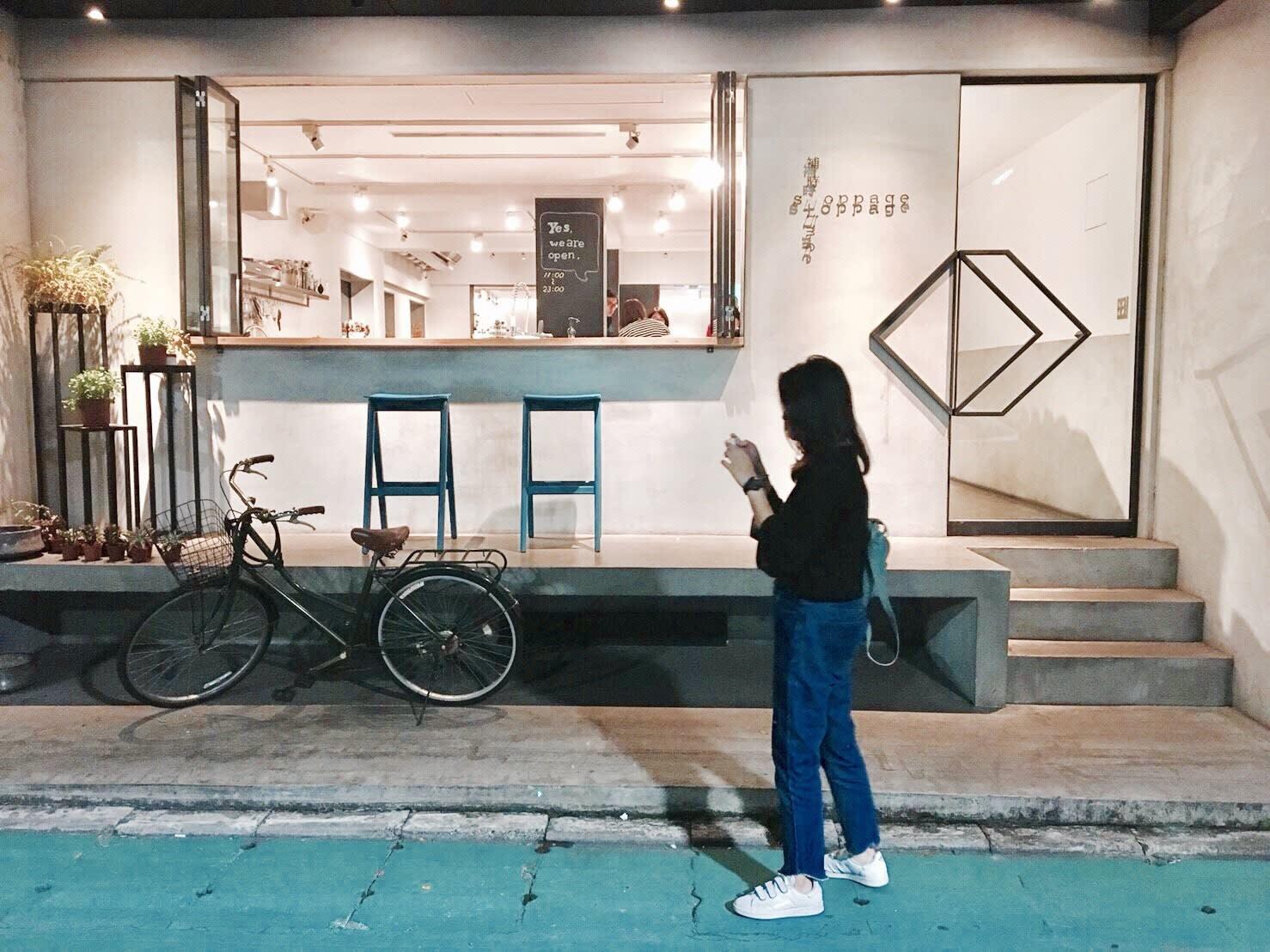 明亮潔淨的門口超適合拍照打卡(來源-張又婕)