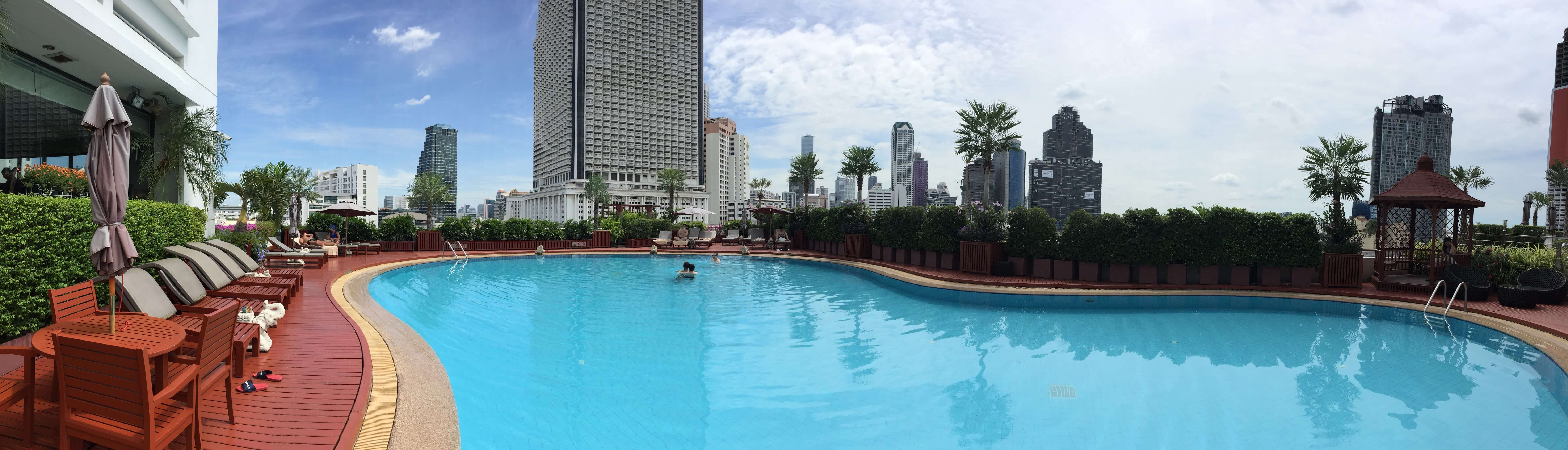 Centre Point Hotel Silom 游泳池。