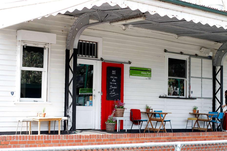 墨爾本咖啡店 :Mart 130 Cafe
