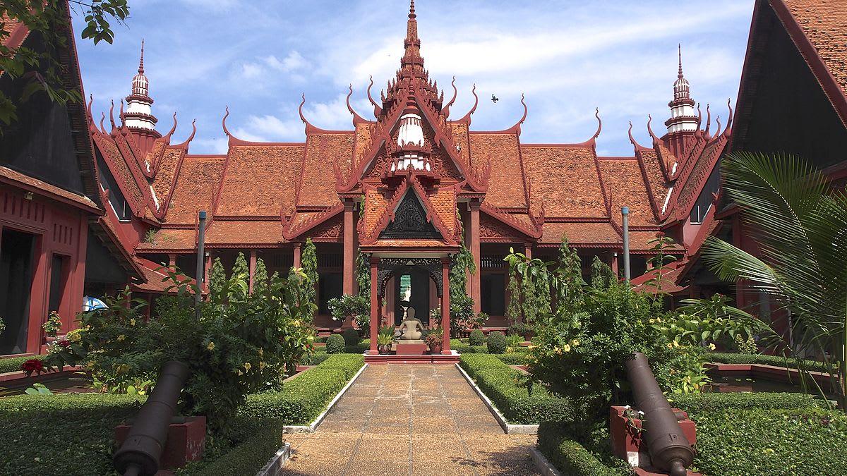 國家博物館外觀保留傳統吳哥建築風貌 (圖片來源:維基百科)