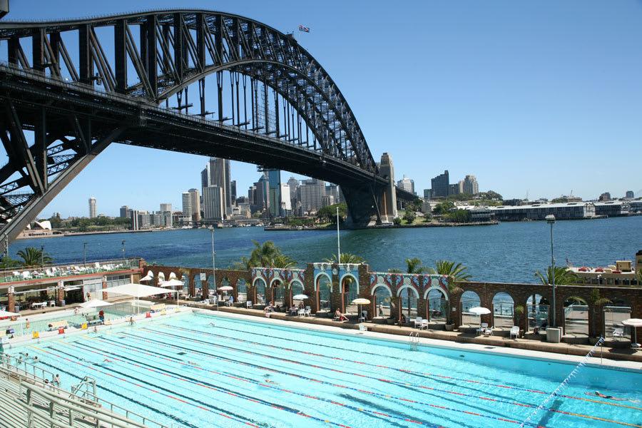 可 以 一 覽 雪 梨 港 灣 大 橋