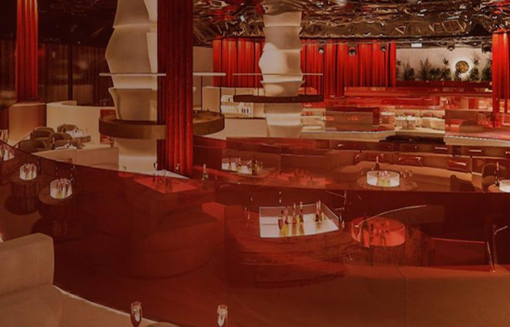 Pacha-Macau 澳門 新濠影匯 隆重登場!六大特別區域 玩到嗨! 新濠影匯(Studio City Macau),結合多項娛樂體驗的建築,是澳門急速成長的觀光產業中重要的一步。新濠影匯擁有1600間套房和佔地約3平方公里的購物中心。更吸睛的是,在新濠影匯中有6個特別區域,提供遊客最完整的娛樂饗宴。KLOOK客路小編帶你走訪這六個特別區域,讓澳門奢華體驗達到新的境界。