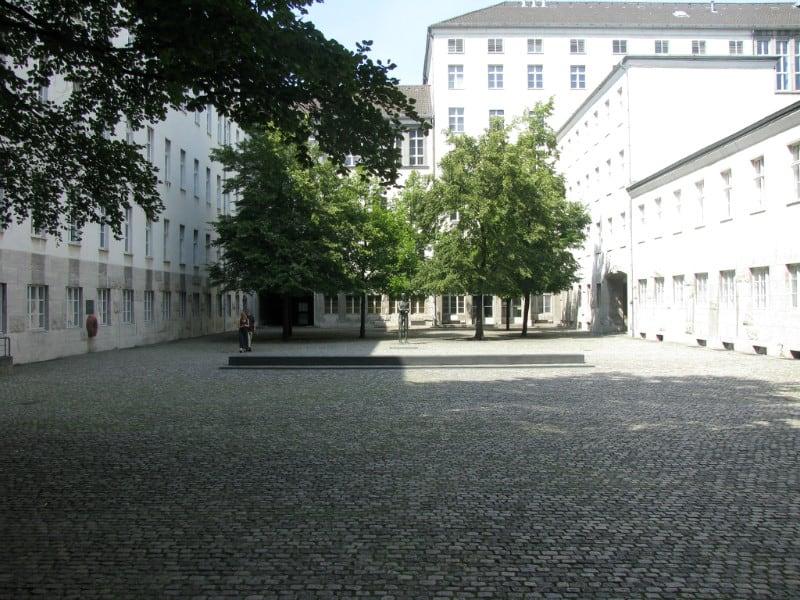 德 國 抵 抗 運 動 紀 念 館 。