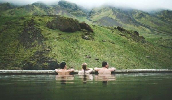 在 山 間 享 受 幽 靜 的 雲 與 霧 ( 圖 片 來 源 : http://goo.gl/ozH2zc )