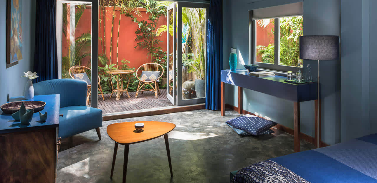 結合法式與柬式風情的各色裝潢,此為BLUE SUIT (Photo: www.facebook.com/maisonpolanka )