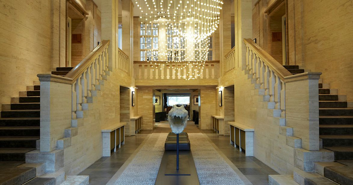柏林生活時尚 Das Stue Hotel 的 飯 店 設 計 給 人 以 為 來 到 自 然 博 物 館 的 錯 覺。