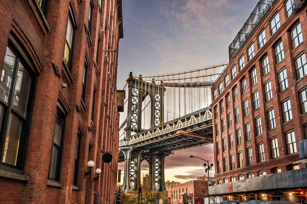 曼 哈 頓 是 紐 約 客 們 最 容 易 沉 入 愛 情 泡 泡 的 地 方