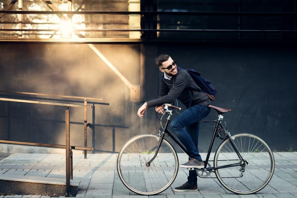 出 國 小 編 總 是 用 腳 踏 車 趴 趴 走