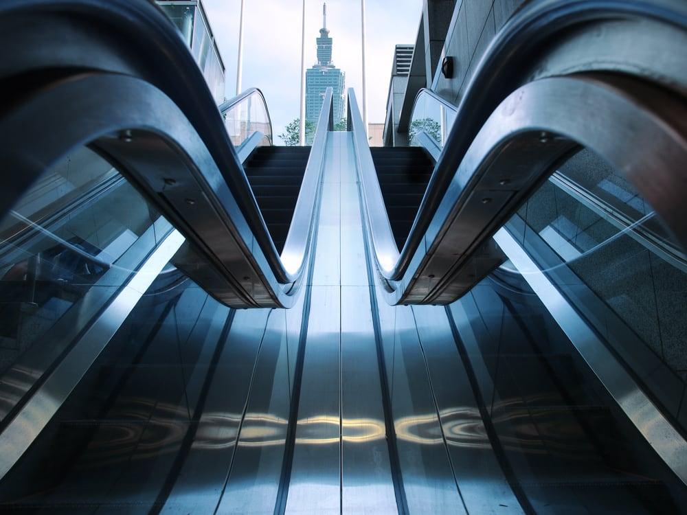 台北101數字大解密 全 球 驚 奇 電 梯