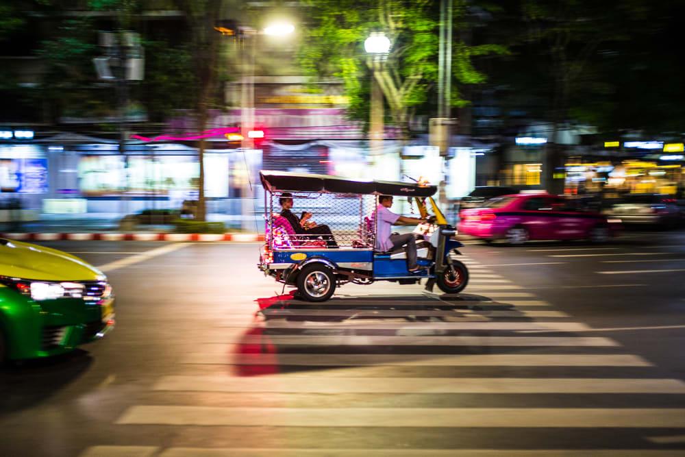 東 南 亞 常 見 的 狂 飆 雙 條 車