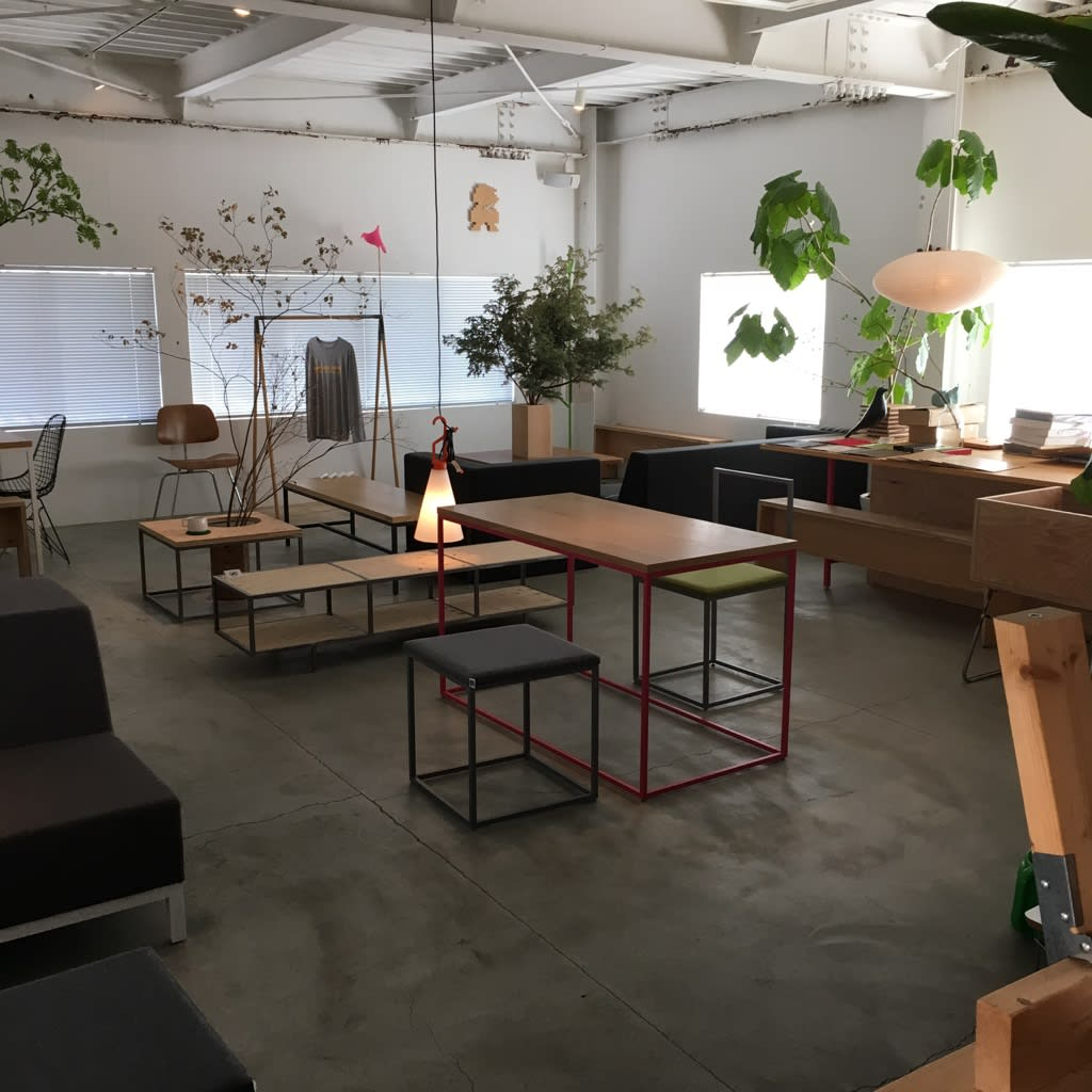 三 樓 販 售 設 計 傢 俱