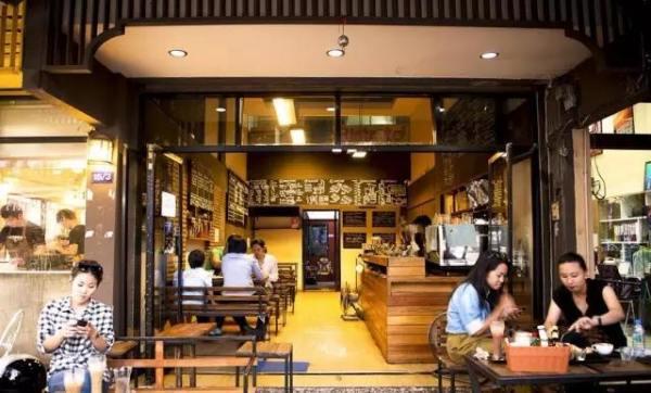 超 人 氣 的 Ristr8to Coffee, 是 咖 啡 迷 朝 聖 之 地 。