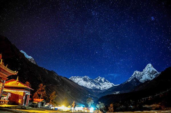 美 麗 星 空 。