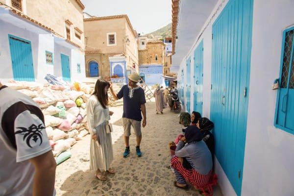 摩洛哥 所 到 之 處 都 是 美 麗 的 藍 、 白 色 構 圖 。