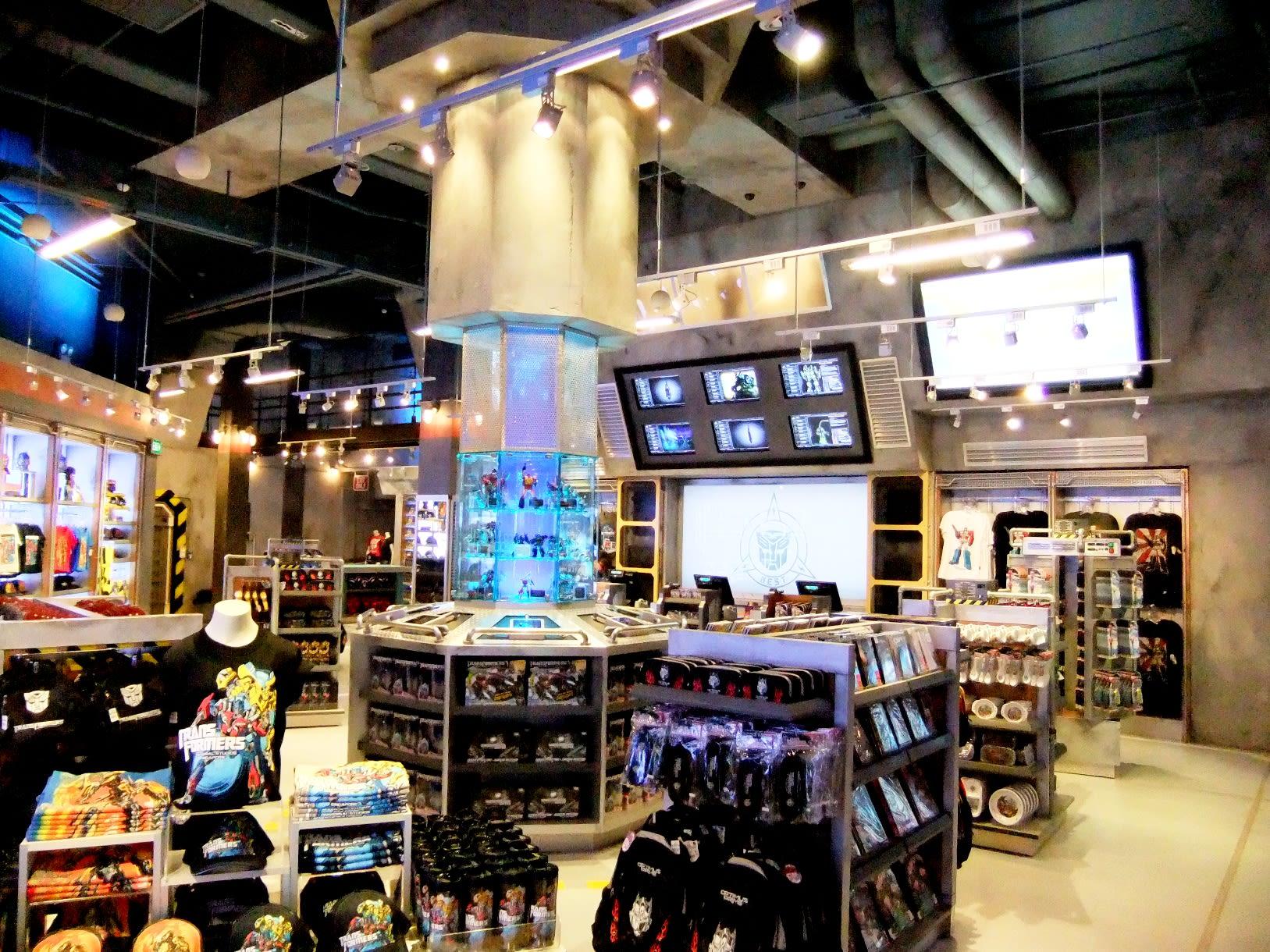 transformer supply vault tại universal studios singapore