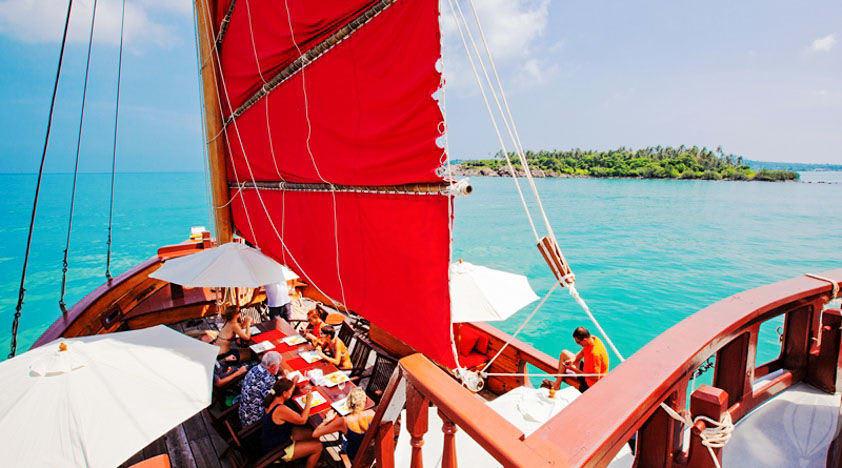 tiệc barbeque trên thuyền red baron