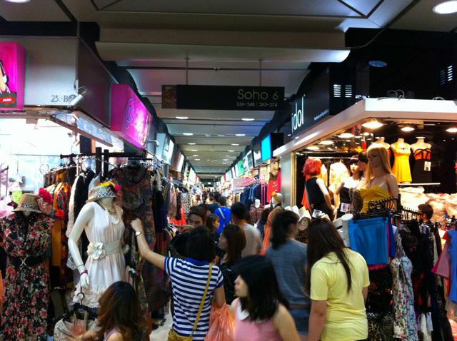 mua sắm tại platinum mall ở bangkok