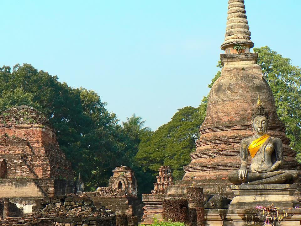 tượng phật tại ayutthaya