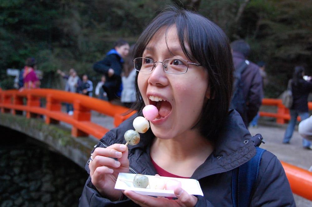 dango là một trong những món ăn đường phố nhật bản phải thử