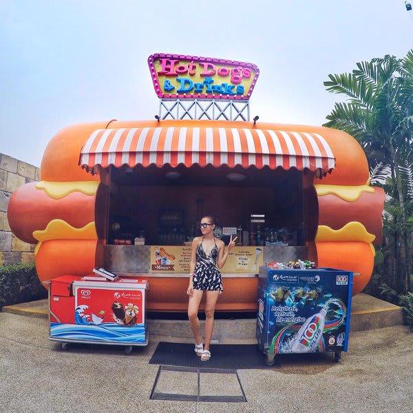 quán ăn có chứng nhận halal ở sentosa: hot dogs & drinks