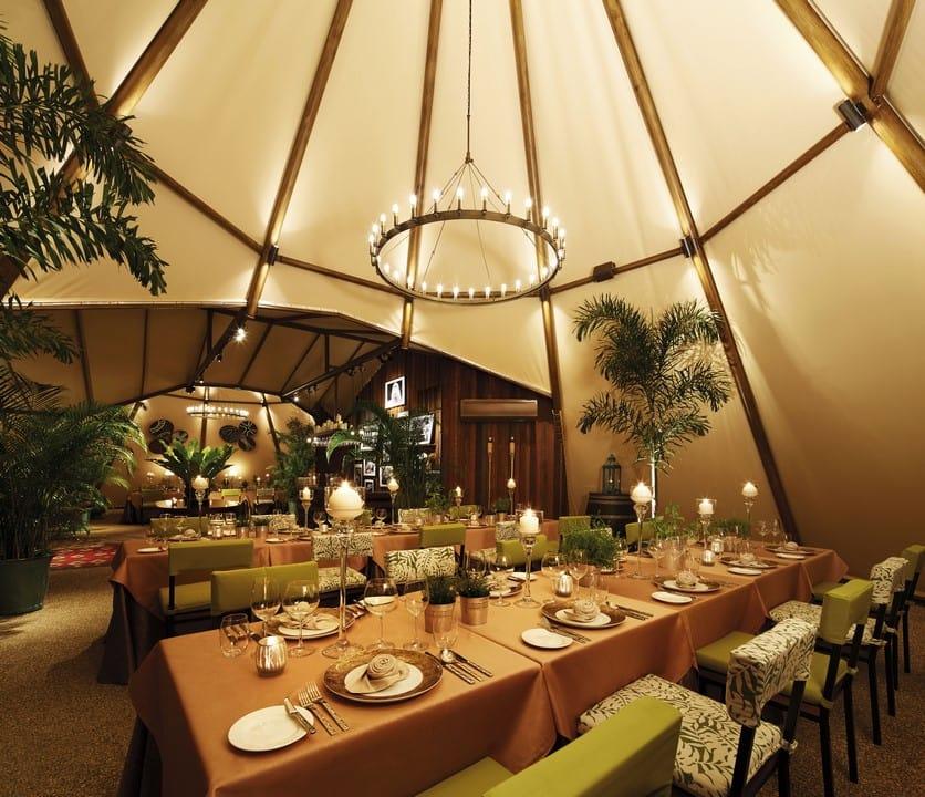 night safari singapore: nhà hàng trong lều