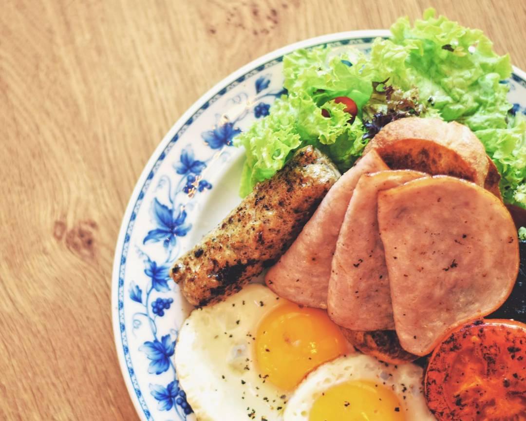 quán cafe ở singapore: bữa sáng tại oh my tian