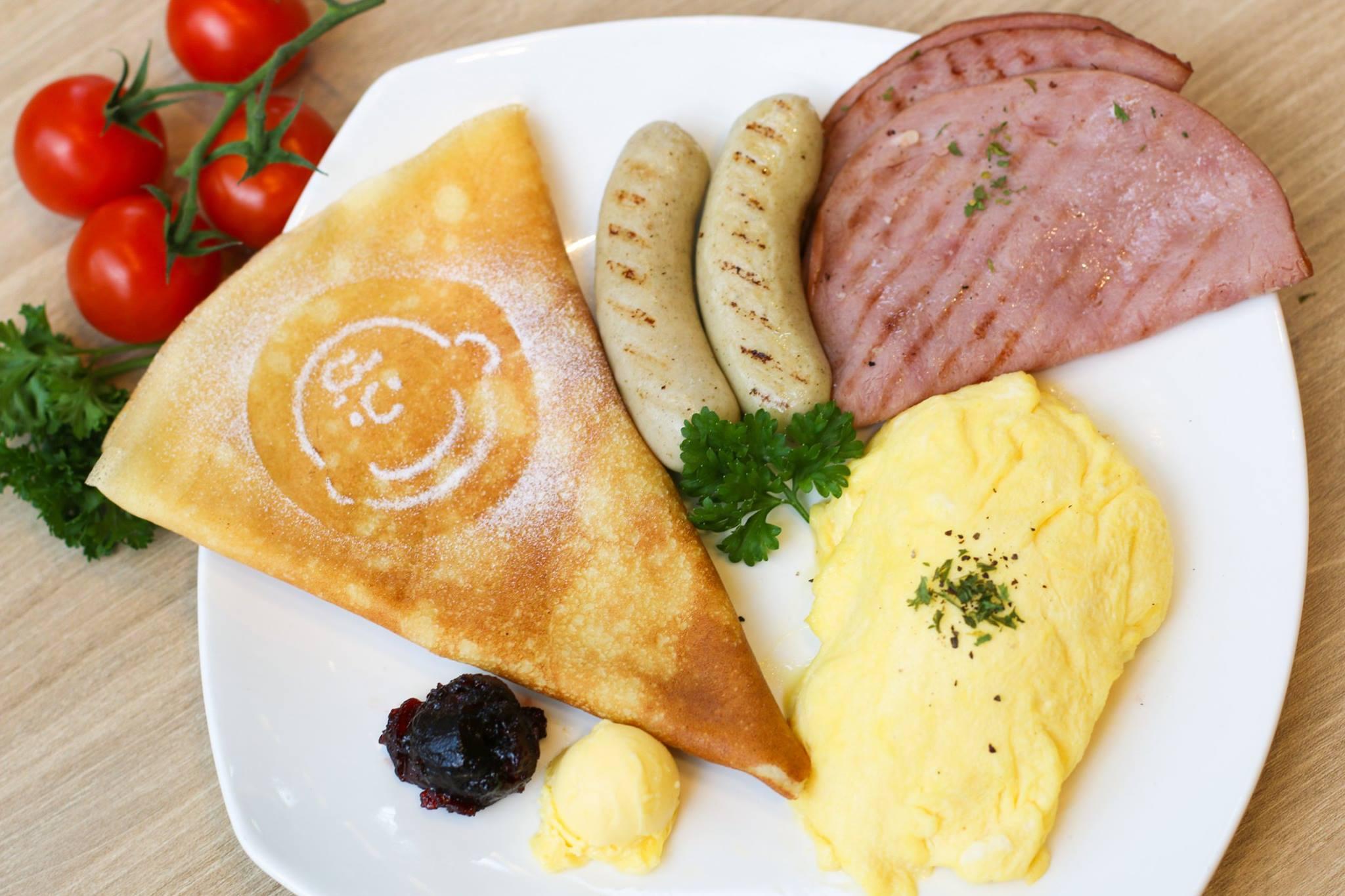 quán cafe ở singapore: bữa sáng tại charlie brown cafe