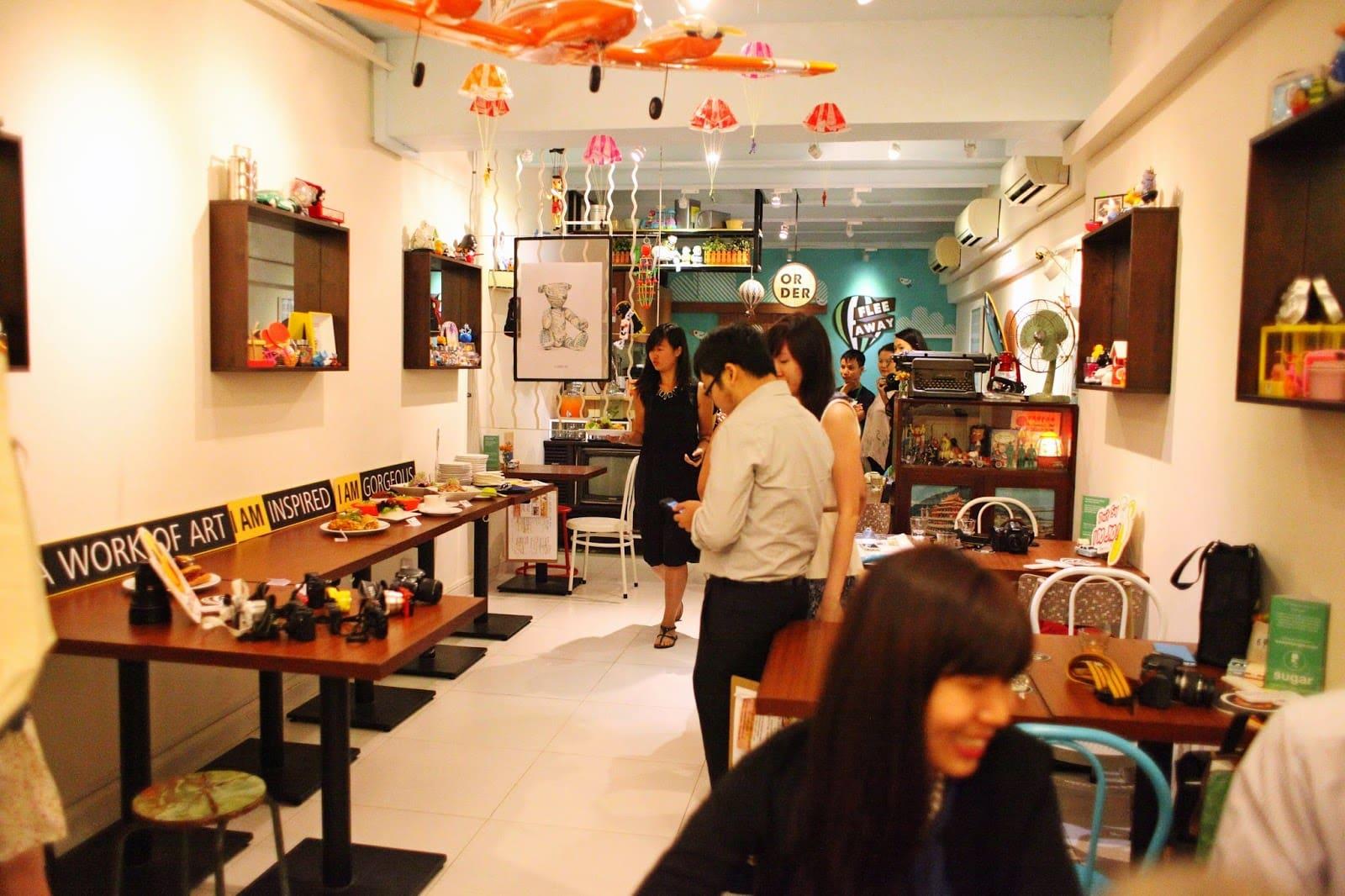 quán cafe ở singapore: flee away cafe