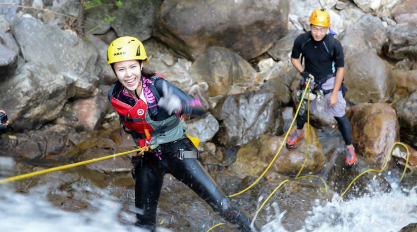 hoạt động ngoài trời ở hong kong: vượt thác