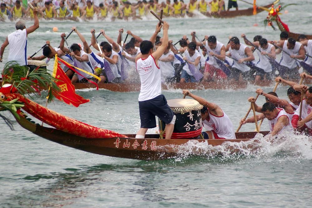 hoạt động ngoài trời ở hong kong: đua thuyền rồng